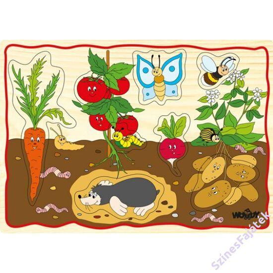 fogantyús puzzle - A kertben